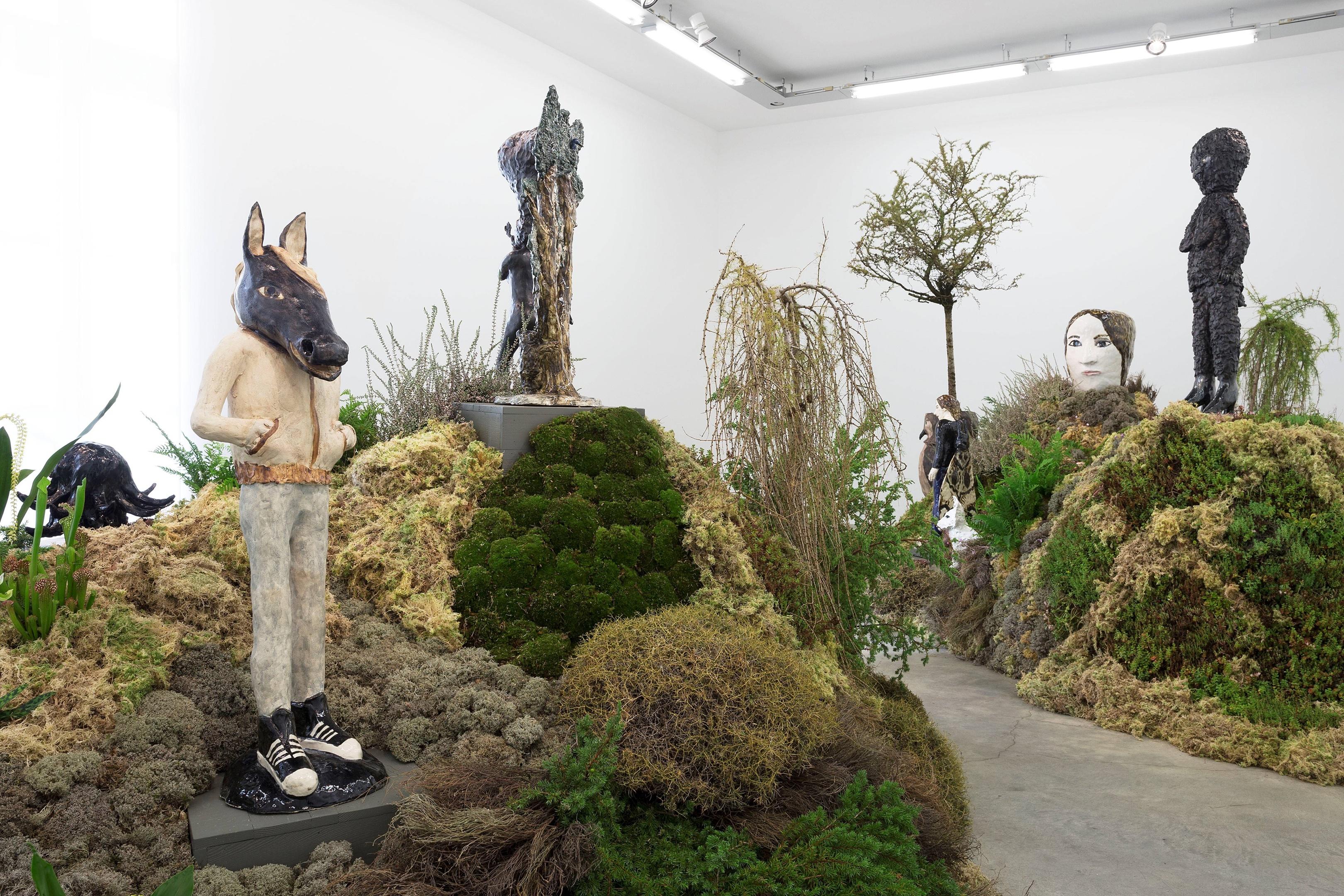 LR Klara Kristalova, Installation Camouflage, 2017, Galerie Perrotin Paris, photo Claire Dorn. (5).jpg